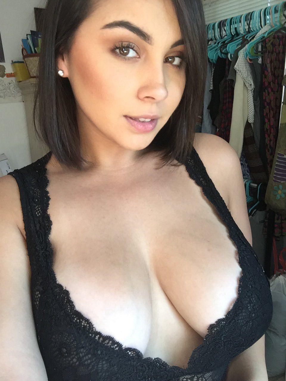 Vikk nude tori Tori Model